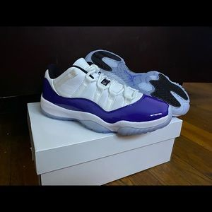Women's low Air Jordan Concord 11